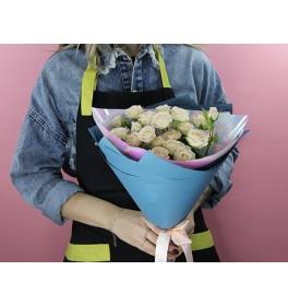 Букет 5 кустовых роз